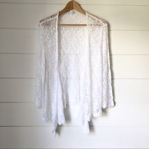 WESTPORT White Lace Top